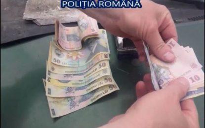 FALȘI INSPECTORI OPC, PUȘI PE CĂPĂTUIALĂ/VEZI UNDE AU GĂSIT POLIȚIȘTII ASCUNȘI BANII