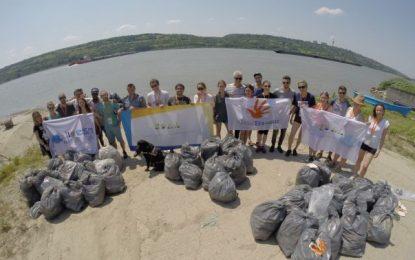 Din respect pentru Dunăre/Acțiune de ecologizare cu ocazia Zilei Internaționale a Dunării