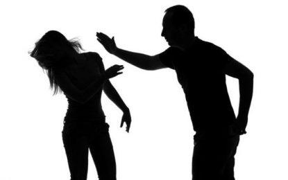 Doi bărbați și-au agresat fizic soțiile/Polițiștii i-au băgat în arest