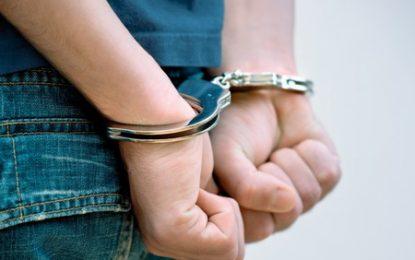 Doi tineri din Vlad Țepeș, reţinuţi de poliţişti/Sunt bănuiți că și-ar fi agresat doi consăteni