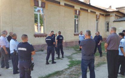 Călărași/Jandarmii şi poliţiştii locali, pregătire comună pentru desfăşurarea în condiţii de siguranţă a partidelor de fotbal organizate pe stadionul municipal Călăraşi