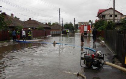 56 de gospodării au fost afectate de inundații în Călărași, Modelu și Borcea