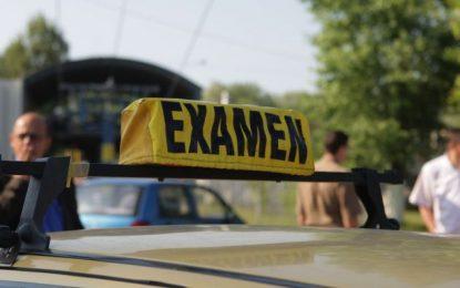 Se modifică regulile pentru examenul de permis/Cei care nu au terminat clasa a 10-a nu au dreptul să facă școala de șoferi, iar examenul va fi înregistrat video