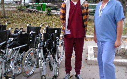 Exemplu de urmat/10 scaune pentru transportul pacienților, donate spitalului de Biserica Baptistă din Călărași