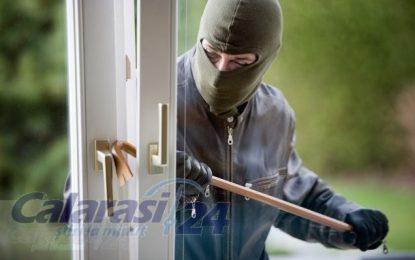 """Campania de prevenire a furturilor din locuinţe şi firme """"Protejează-ţi locuinţa şi afacerea! Trăieşte în siguranţă!"""" în judeţul Călărași"""