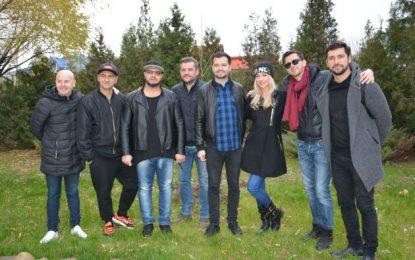 """Mix Music a dat """"verde"""" la plantat pomi în Călărași/Artiștii și oficialii s-au întrecut la săpat"""
