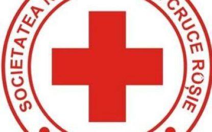 Crucea Roșie Călărași se mobilizează/Lemne pentru foc, alimente și saci de dormit pentru nevoiașii din comuna Ulmu