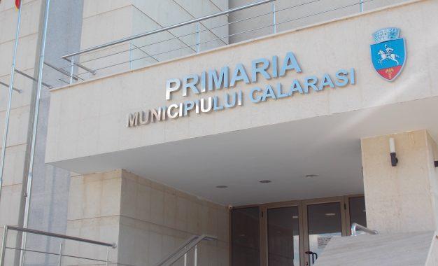 Primăria Călărași/Funcționarii vor recupera ziua liberă de 2 iunie, în zilele de vineri 26 mai, 9 iunie și 16 iunie ( de la 14.00 la 16.00).