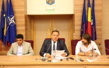 """Președintele C.J. Călărași, Vasile Iliuță a prezentat noua conducere a Dunării/Brișan: """"Este păcat pentru acest oraș să nu avem o echipă în Liga 1""""/Alexa: """"În momentul acesta pentru mine este o provocare"""""""