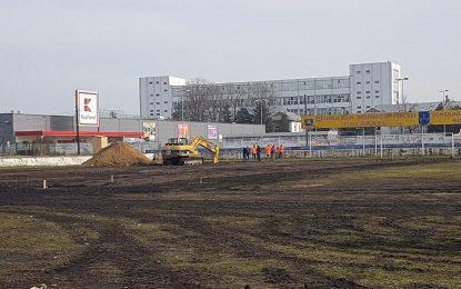 Călărași/Au început lucrările la bazinul de înot din incinta Stadionului Municipal