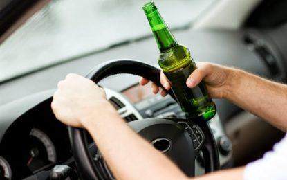 2 în 1/S-a urcat la volan fără permis şi sub influenţa alcoolului