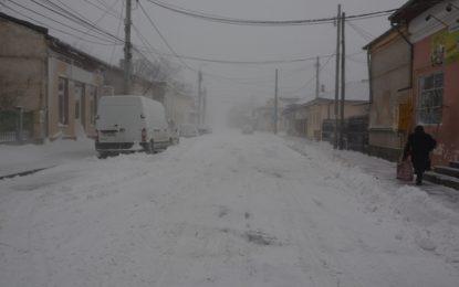 Primăria Călărași, apel pentru cetățeni:Zăpada trebuie depozitată în grămezi și NU aruncată pe carosabil