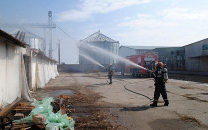 Acțiune spectaculoasă de intervenție a pompierilor călărășeni, într-un amplu exercițiu tactic