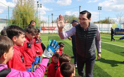 Răzvan Burleanu, președintele FRF, și-a petrecut Duminica Floriilor la Călărași