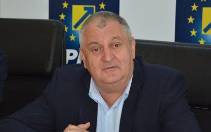 """Drăgulin, președintele PNL Călărași, răspunde acuzelor lui Pandea/""""Am maturitatea politică, am experiență și am în spate anii care îmi impun să nu jignesc"""""""